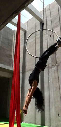 Learn How To Pole Dance From Home With Amber's Pole Dancing Course. Why Pay More For Pricy Pole Dance Schools? Aerial Acrobatics, Aerial Dance, Aerial Hoop, Aerial Arts, Aerial Silks, Flexibility Training, Yoga For Flexibility, Pole Dancing Fitness, Pole Fitness