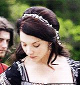 Anne Boleyn's crowns, hats, and headbands