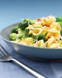 this is my FAVORITE thing to eat. i usually use bowtie pasta or rotini. and i use the garlic in the jar and that works great. this is so delicious :) Spicy Pasta with Broccoli