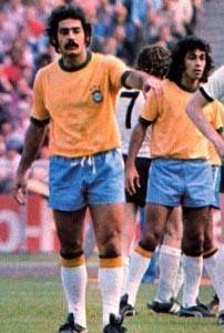 1974 World Cup, Brazil Football Team, Soccer, Running, Hs Sports, Jewels, Futbol, European Football, Keep Running