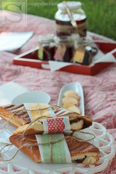 Hints of Summer Picnic Tablescape