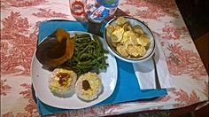 Pranzetto di oggi, giorno di scarico (OFF), niente allenamento.  80 g gallette di mais; 200 g carne macinata di tacchino con 1/2 cucchiaio senape e 1/2 cucchiaio salsa barbecue; 300 g zucca al forno 300 g fagiolini verdi al vapore 200 g coppa al cioccolato e panna montata. www.db-madmethod.com #dieta #personaltrainer #alimentazione #natural