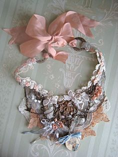Shabby Chic Necklace discovered by tfaswift on We Heart It Shabby Chic Schmuck, Shabby Chic Jewelry, Lace Jewelry, Textile Jewelry, Fabric Jewelry, Jewelry Crafts, Jewelry Art, Jewelery, Vintage Jewelry