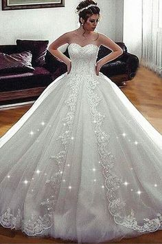 Fascinating Tulle Sweetheart Neckline Ball Gown Wedding Dress With Beaded Lace Appliques