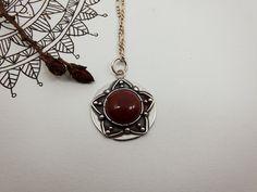 Red Jasper and Silver Pendant. Mandala Jewelry por PuntoPausa