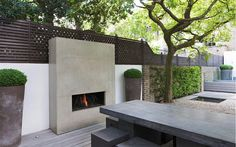 New No Cost utepeis Outdoor Fireplace Thoughts Regardless how much an individual style and design your house contained in the product; it's your outdoor desi. Outside Fireplace, Backyard Fireplace, Backyard Patio, Backyard Landscaping, Contemporary Outdoor Fireplaces, Modern Outdoor Fireplace, Contemporary Garden, Outdoor Rooms, Outdoor Living