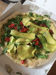 Gorgeous courgette, rocket and cherry tomato pizza from L'Atelier de Julien in Nice