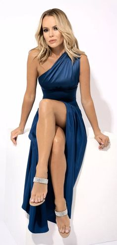 Amanda Holden Bgt, Amanda Holden Style, Sexy Older Women, Sexy Women, Gq, Blond, Britain's Got Talent, Bikini, Beautiful Celebrities
