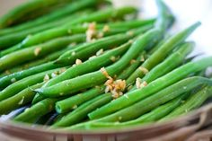 Garlic Green Beans - 10-min stir-fry green beans recipe with garlic. Super healthy, easy and budget-friendly for the entire family | rasamalaysia.com