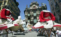 Gigantes durante las fiestas de San Fermín en Pamplona