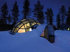 Glass igloos to watch the Northern Lights in Finland!  LET'S GO THERE!!!