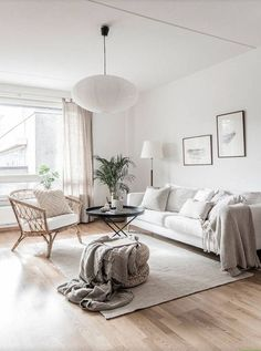 Today, we're showing you 8 Scandinavian living rooms we simply adore, and how to get the same look! Small Apartment Living, Cozy Living Rooms, My Living Room, Living Room Decor, Small Apartments, Dining Room, Living Room Ideas 2020, Cottage Living, Dining Tables