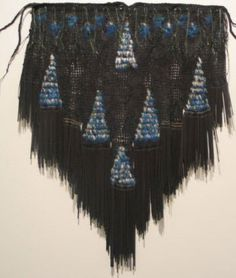 Alixene Curtis : London Pacific Fashion Show Flax Weaving, Cherokee Rose, International Craft, Polynesian Art, Maori Designs, New Zealand Art, Nz Art, Maori Art, Weaving Patterns