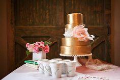 gold wedding cake romantic and Reception, Wedding Cakes, Cake, Cakes Gorgeous Cakes, Pretty Cakes, Touch Of Gold, Green And Gold, Gold Wedding Theme, Gold Cake, Simple Weddings, Cake Designs, Wedding Cakes