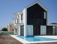 OK, so where have I been? The br House located in Portugal, designed by Rui Ventura and completed in 2009 is one unique modern home....