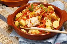 Receita de Ensopado de peixe à portuguesa. Descubra como cozinhar Ensopado de peixe à portuguesa de maneira prática e deliciosa com a Teleculinária!