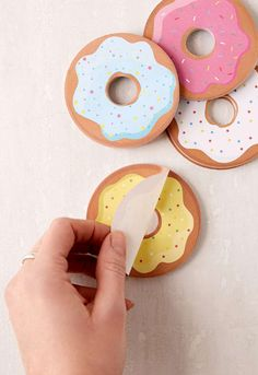 A set of doughnut sticky notes for when you need a reminder to read your notes…