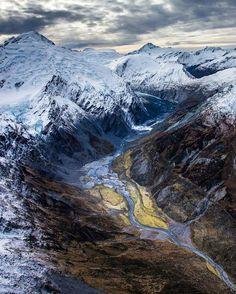 Southern Alps, South Island, New Zealand. : Rach Stewart Photography | IG: @rach_stewart_nz