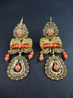 Pendants d'oreilles perles fines et corail Italie 19°S;