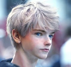 Jack Frost--GUYS GUYS GUYS ITS THAT ONE KID FROM GAME OF THRONES AND MAZE RUNNER OOOOOH BOY I DID NOT KNOW I NEEDED THIS TIL NOW BUT I CANT LIVE WITHOUT IT