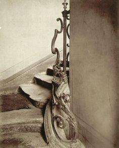 Eugene Atget - rue de Turenne - 1911 V History Of Photography, Documentary Photography, Vintage Photography, White Photography, Eugene Atget, Art Nouveau, Berenice Abbott, Modernisme, Old Paris