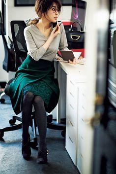 Office Fashion, Business Fashion, Japanese Fashion, Asian Fashion, Skirt Fashion, Fashion Dresses, Fashion Over 40, Beautiful Outfits, Womens Fashion