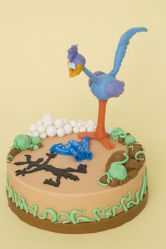 Road Runner Cake Ideas / Road Runner Themed Cakes - Crust N Cakes Crazy Cakes, Fancy Cakes, Fondant Cakes, Cupcake Cakes, Cupcakes, Bip Bip Et Coyote, Realistic Cakes, Movie Cakes, Birtday Cake