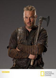 "Travis Fimmel é ""Ragnar Lothbrok"". Vikings. Segundas, 22h15. #Vikings  www.natgeo.com.br/vikings"