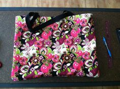 No-sew tote bag. The inside is covered in duct tape.