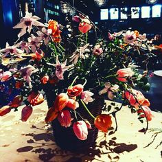 """How much """"wow"""" can a bunch of flowers be? Have I mentioned that #iloveflowers ? 🌺"""