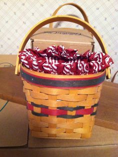 Small hanging Longaberger Basket. comes with plastic and cloth liner.  Very nice!