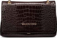 Eine perfekte Begleitung im Alltag ist die schwarze Umhängetasche von VALENTINO by Mario Valentino. In klassischer Leder-Optik weiß dieses Modell zu begeistern. Ob beim festlichen Empfang oder dem Abendessen mit dem Liebsten – die Umhängetasche sorgt für ein atemberaubendes Auftreten. Durch goldfarbene Beschläge wird der einmalige Look unterstrichen. Ein klassischer Reißverschluss schließt schnell und sicher. Die Tasche setzt trendige Akzente, die auch nach Jahren noch begeistern. Mario, Valentino, Wilde, Satchel, Food Dinners, Scale Model, Leather, Crossbody Bag, Backpacking