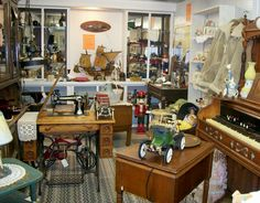Best Country Mall in Texas - Over 10,000 Sq Feet of memories - Blue Hills Antique Mall on Hwy 123
