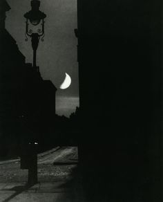 Bill Brandt - The Adelphi, 1939. From 'The Photography of Bill Brandt.'  S)