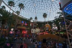 It's free to enter Universal CityWalk, but after that you'll be throwing down dollars left and right for chain restaurants (think Hard Rock Cafe and Bubba Gump Shrimp Co.) and retailers. Swarms of tourist pack the place during the summer and holidays, but it fails to live up to expectations year-round.
