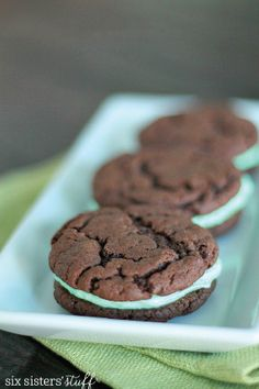 Celebrate the springtime with these simple Cake Mix Grasshopper Sandwich Cookies. Homemade chocolaty goodness that's ready in less than 15 minutes? Yes, please!