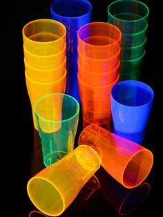 Schwarzlicht Neon Bierglas Pint wiederverwendbar #blacklight #schwarzlicht #neon #deco #glow #dishes #cup #psy