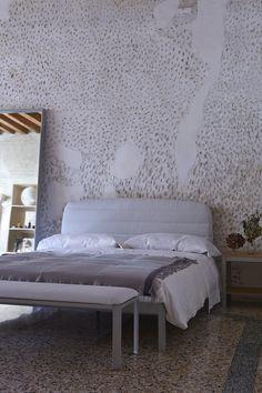 PLANE BED_iCarraro_SILKGREY_UPHGREY_BENCH_2015FMV on http://www.lucianobertoncini.com