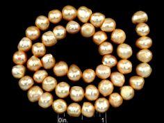 PERLAS DE AGUA DULCE GRADO B TIPO PAPA 8~9MM SALMON CLARO RISTRA DE 14 PULG. CODIGO: FWP83