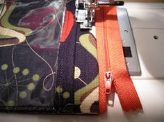 Sewing zippers in bags Tutorial. (aka) zippered pouch with pocket and loop