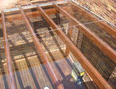 Diseño e Instalación de Cerramientos de Madera para Porches Acristalados.