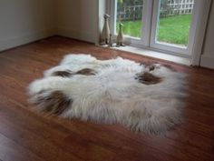 Icelandic Sheepskin Rugs from www.hiderugs.co.uk