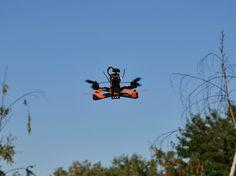 Heute möchte ich mit euch den FPV Racer Lisam LS210 zusammen bauen. Er ist besonders leicht, extrem robust und super wendig zu fliegen.