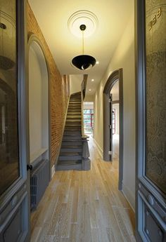 Cool entry foyer.   Real-Life Decoration Inspiration: 5 Different Ways to Paint a Radiator
