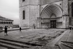 Plaça dels apostols  by Xavier  Alejo  on 500px