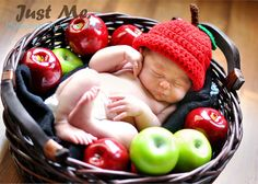 Would be an adorable photo for a birth announcement 'Apple of our eye!!!'
