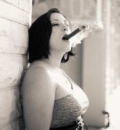 A perfect Cigar [Woman]