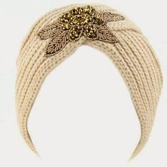 My daughter asked me to make her an old Hollywood-style turban like this one from Amazon , but I couldn't find a pattern, so I decided ...