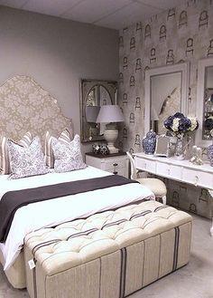 Arredare una camera da letto in stile vintage - Panca con cesti per ...