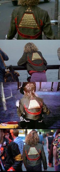 Susan's pyramid jacket. 'Desperately Seeking Susan'  --  Costume Designer: Santo Loquasto 1980s Madonna, Desperately Seeking Susan, Halloween Party, Halloween Costumes, 80s Movies, 80s Dress, Movie Costumes, Teenage Dream, Rock And Roll